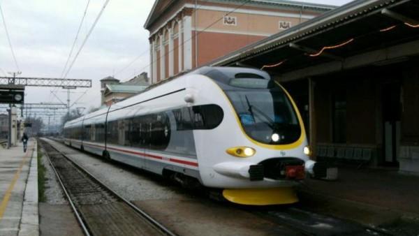 Novi niskopodni vlak 6112 001 na kolodvoru Rijeka, © zeljeznice.net, Portos