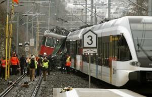 U sudaru dvaju putničkih vlakova u Švicarskoj 17 osoba ozlijeđeno