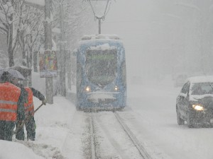 Zagreb zatrpan sa 68 cm snijega!