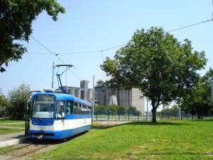 Prometovanje tramvaja na liniji 2 na dan plesanja Quadrille