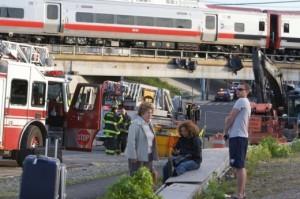 Najmanje 60 putnika ozlijeđeno u sudaru vlakova u Connecticutu