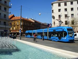 Tramvaj na Trgu hrvatskih velikana, © zeljeznice.net, tram4